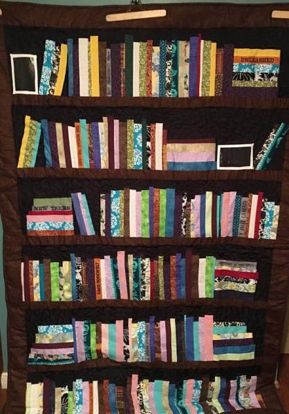 Bookshelf Quilt Image